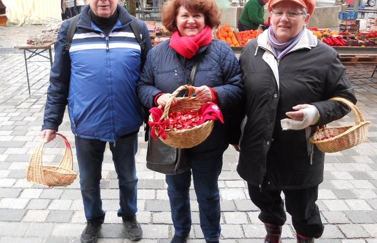 v.l.n.r.: Udo Himml, (Stadtrat Immenstadt), Vera Huschka (Bürgermeisterkandidatin), Erika Marchhauser