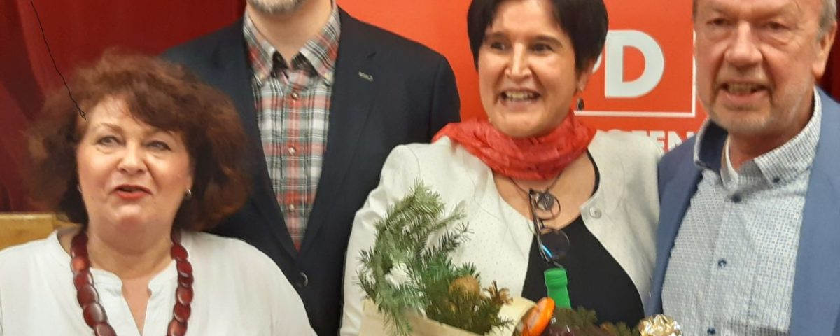 v.l.n.r.: Vera Huschka, Unterbezirksvorsitzender Markus Kubatschka, MAria Noichl, Heinz Kellershohn